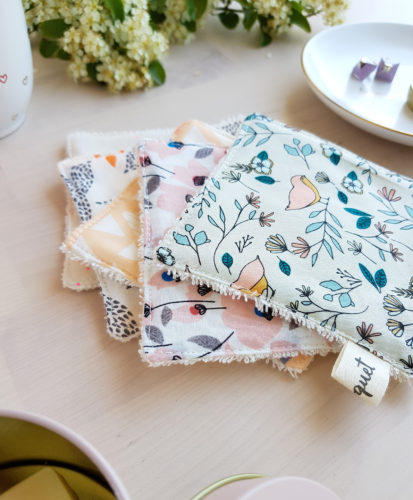 cotons lavables lingettes laver entretenir zero dechet ecolo ecologie coton demaquiller demaquillant chage bebe