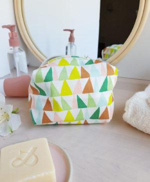 trouse de toilette cadeau naissance bebe accessoire fille berlingot jaune