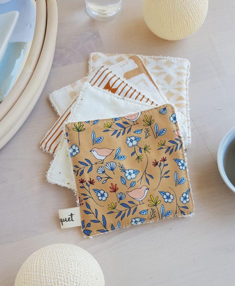 coton lavable lingette bebe naissance cadeau oiseau ecrue motif beige carre bilboquet