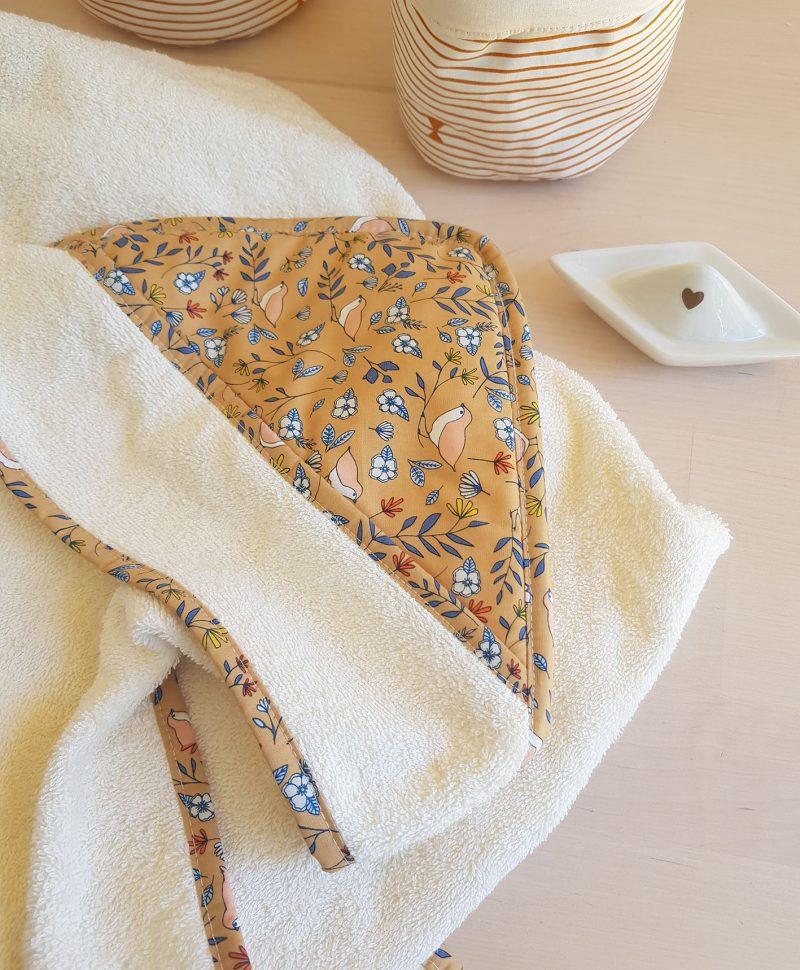 sortie cape gant toilette bebe naissance serviette bapteme