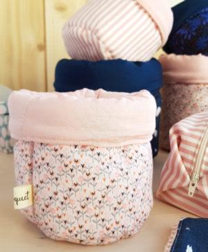 paniere panier tissu deco chambre bebe fille rose fleurs bilboquet