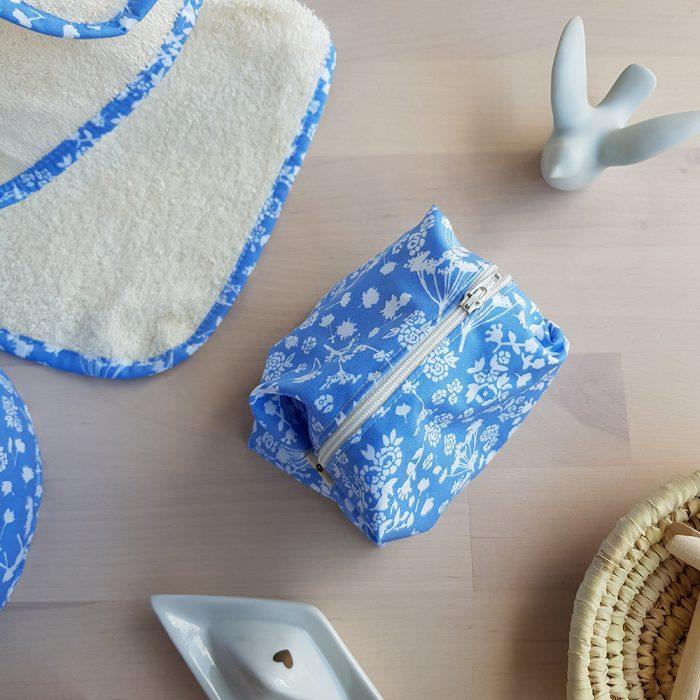 trousse toilette petite maquillage bleu fleur liberty cadeau femme pas cher bilboquet