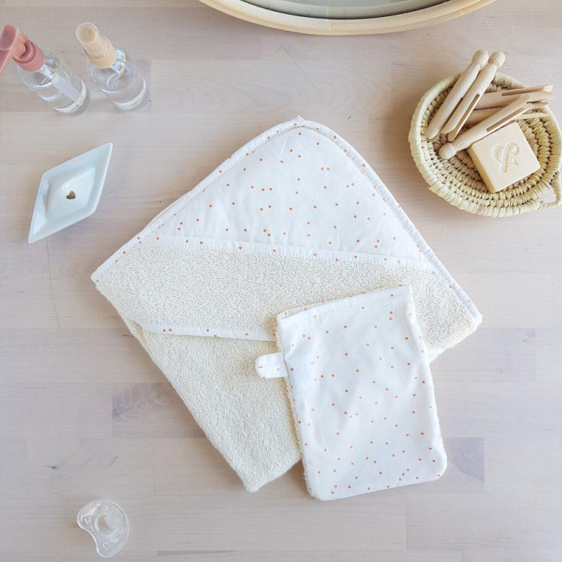 serviette toilette bebe naissance fille blanc bapteme liste grossesse marternite france bilboquet