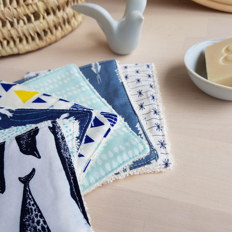 cMoton lingette lavable baleine animaux marin mer bleu cadeau naissance bilboquet