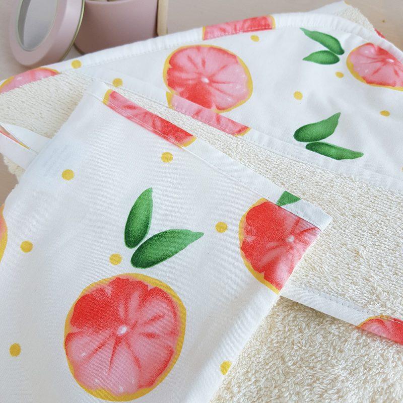 cape bain bebe sortie peignoir enfant naissance serviette drap capuche pamplemousse france coton gant bain parents