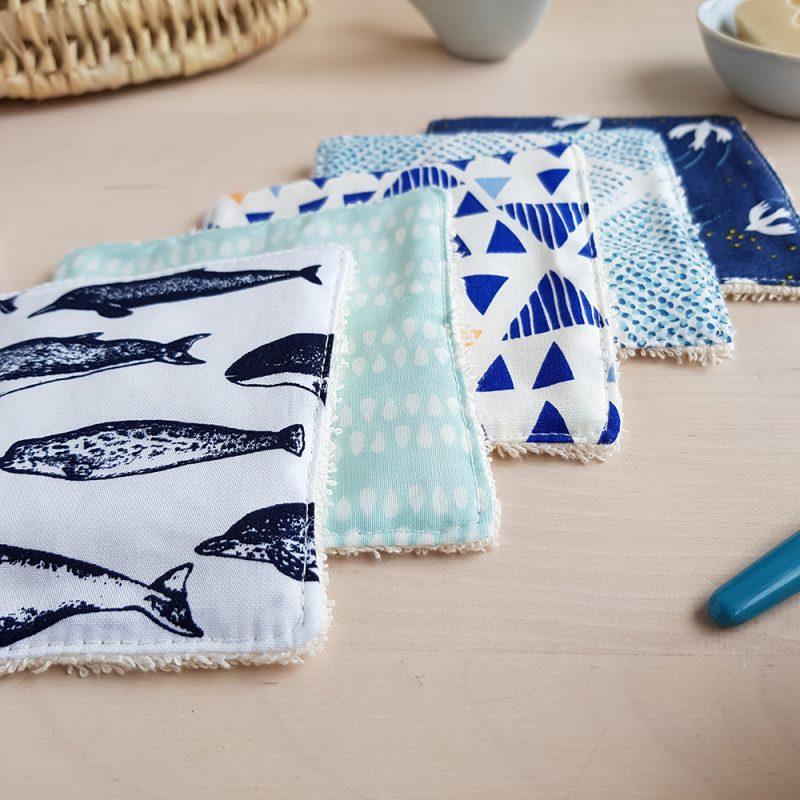 cadeau naissance pas cher change couche lavable coton narval baleine bleu bebe garcon debarbouillette