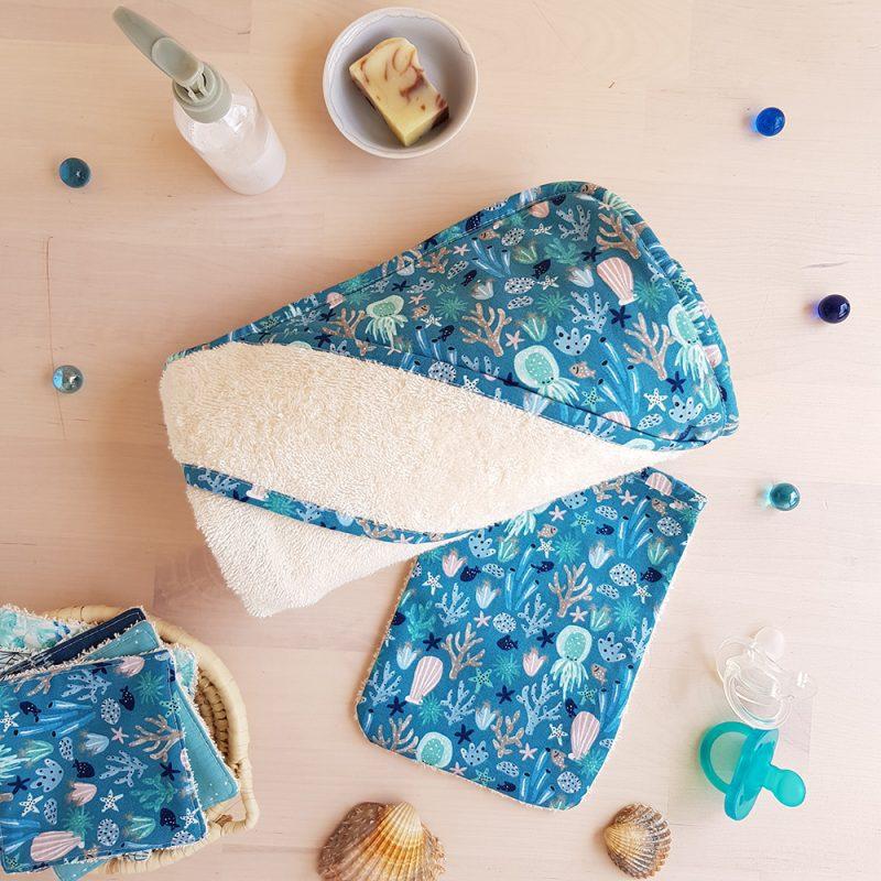 cape bain bebe garcon naissance grossess bleu motif mer baleine pieuvre octopus createur lyon