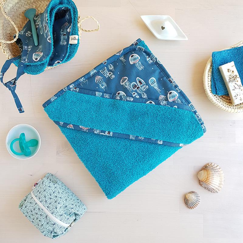cape bain bleu mer serviette bebe linge toilette marine cadeau naissance
