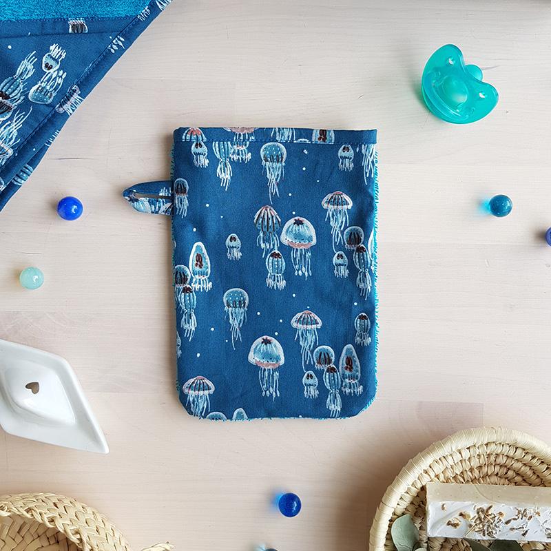 gant toilette bebe cape de bain sortie serviette linge toilette naissance trousseau lyon garcon bleu