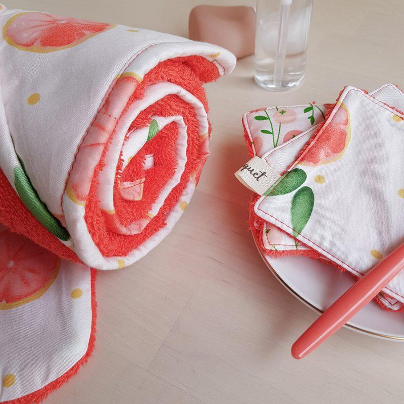 cape de bain sortie serviette pamplemousse corail orange rouge cadeau naissance bebe fille createur made in france lyon bilboquet box coffret