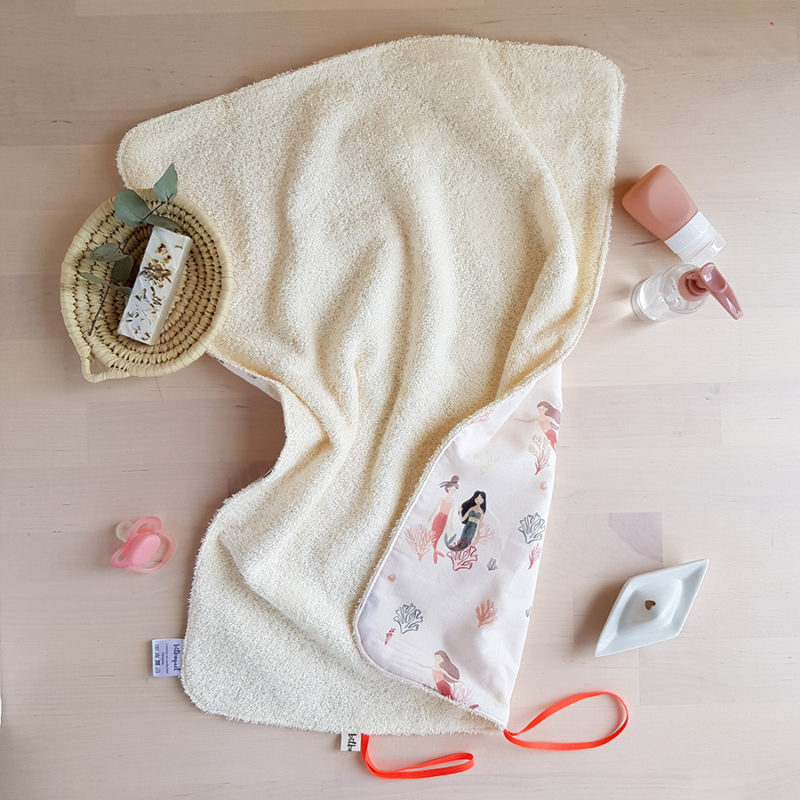 tapis a langer nomade promenade avec bebe accessoire naissance puericulture cadeau fille sirene oekotex made france lyon createur bilboquet ecru blanc rose
