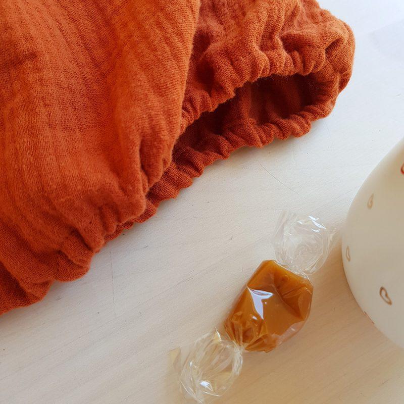 vetement bebe enfant fille cadeau naissance made in france fabrication francaise oekotex bio bilboquet createur lyon haut chemise top chemisier petite double gaze rouge orange bloomer culotte short bas fillette