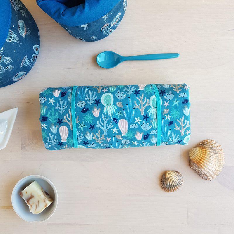 tapis langer bebe cadeau naissance coffret box personnalise liste grossesse maternite valise garcon bleu fille made france lyon createur bilboquet couture enfant accessoire