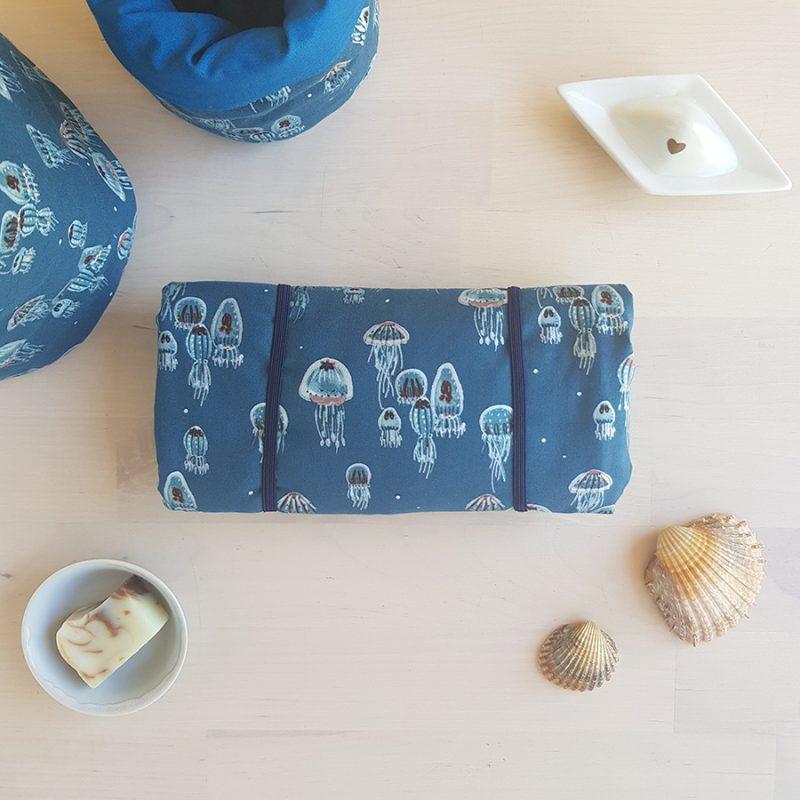 tapis langer bebe cadeau naissance coffret box personnalise liste grossesse maternite valise garcon bleu fille made france lyon createur bilboquet meduse poulpe