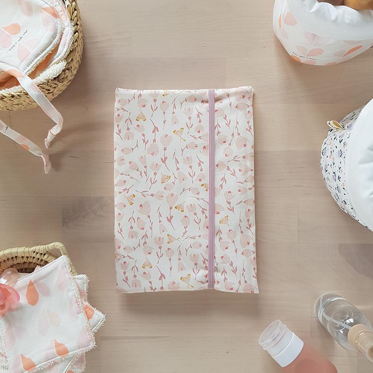 protege carnet de sante bebe fille rose cadeau naissance oekotex lyon bilboquet kids