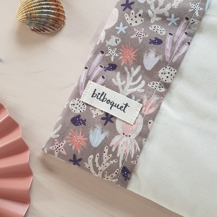 cadeau naissance bebe fille made in france lyon bilboquet kids protege carnet sante rose violet