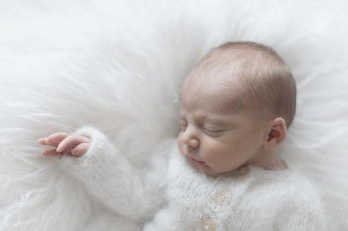 photographe photo naissance nouveau ne famille portrait bebe lyon aurore leteve idee originale maman